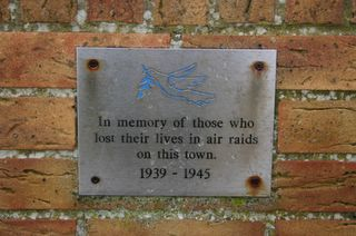 East Cowes : Air Raids plaque